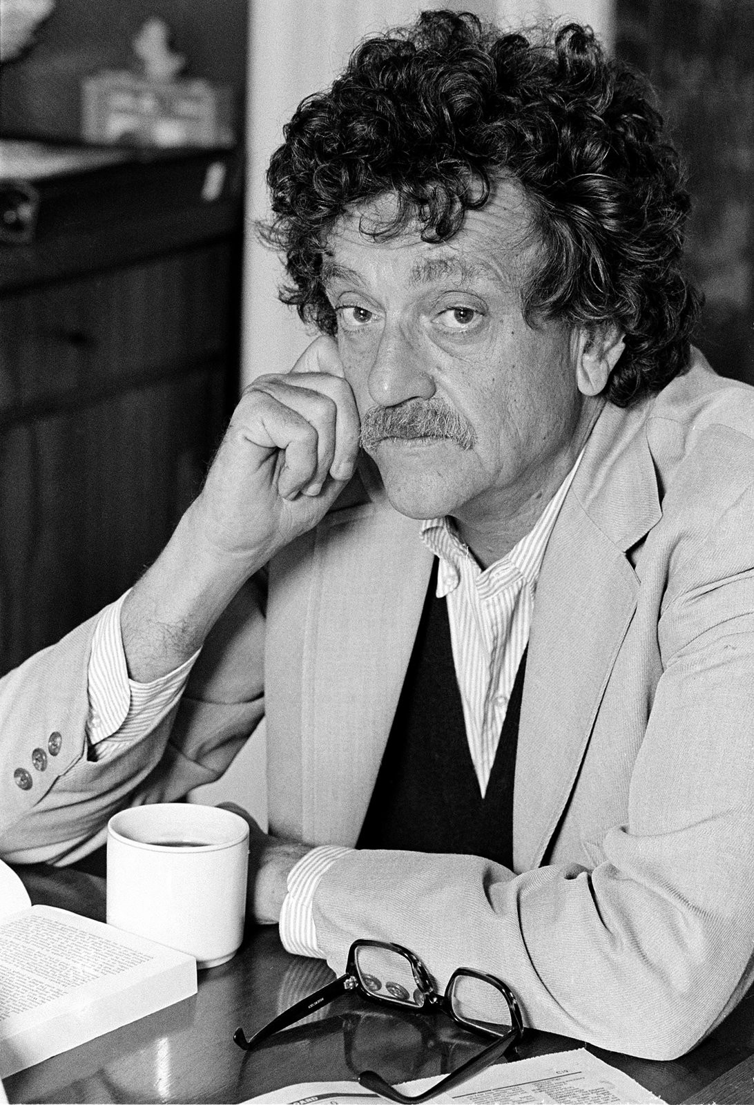 the life and writings of kurt vonnegut Kurt vonnegut biography kurt vonnegut was a famous american novelist and essayist go through this biography to know details about his life, career, works and timeline.